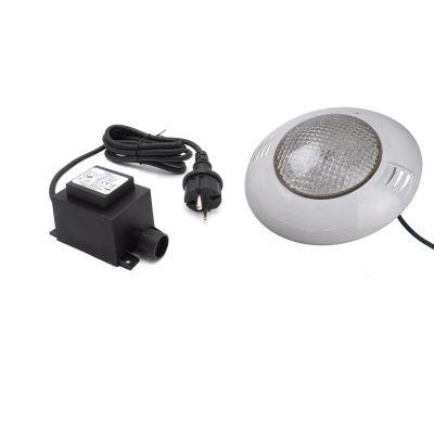 Hoofdafbeelding van Ubbink LED-Spot 350 Plus met veiligheidstransformator voor een houten zwembad