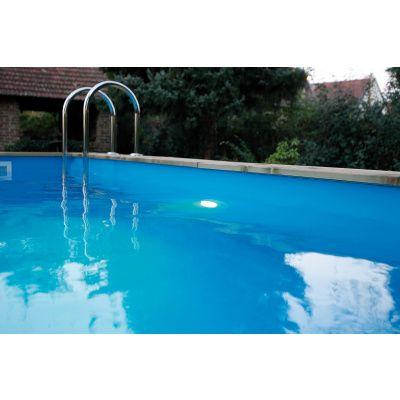 Afbeelding 3 van Ubbink LED-Spot 350 Plus met veiligheidstransformator voor een houten zwembad
