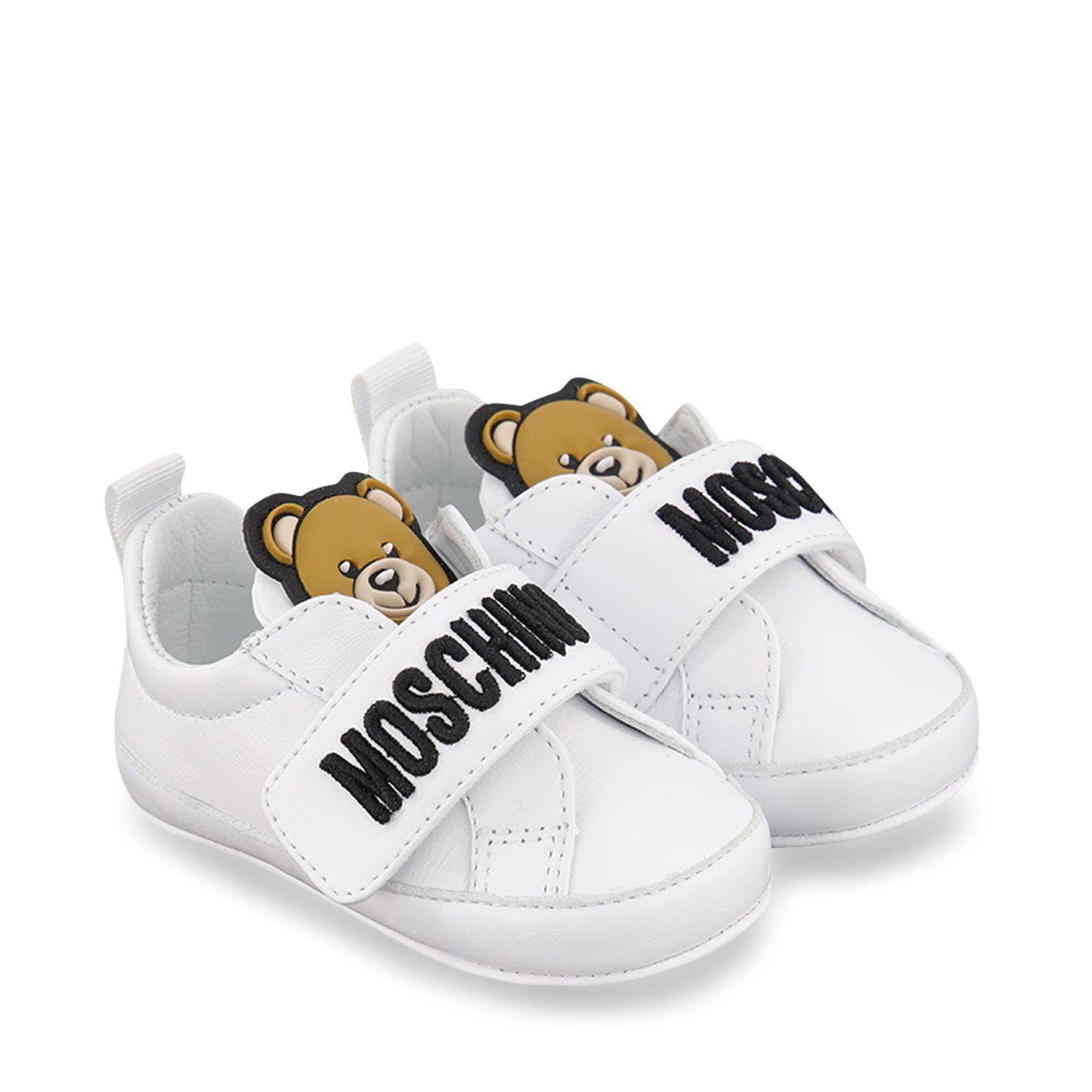 Picture of Moschino 67339 baby sneakers white