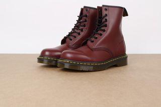 Foto van Dr. Martens 11822600 Boots 1460 Rood