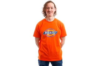 Foto van Dickies T-Shirt Horseshoe Tee Men Bright Orange DK60075XBGO1
