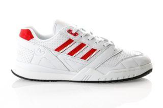 Foto van Adidas A.R. Trainer Ee5399 Sneakers Blue Tint S18/Scarlet/Ftwr White