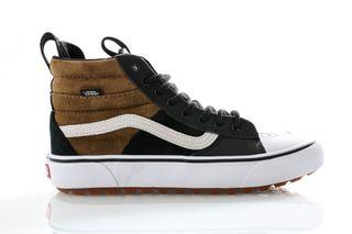 Foto van Vans Sneakers Ua Sk8-Hi Mte 2.0 Dx (Mte) Dirt/True White VN0A4P3ITUH1