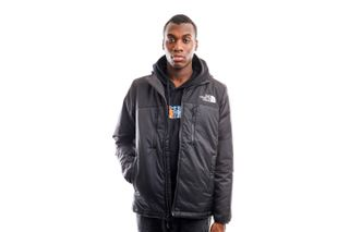 Foto van The North Face Jacket Men's Himalayan Light Synth Hoodie Tnf Black NF0A3L2GJK31