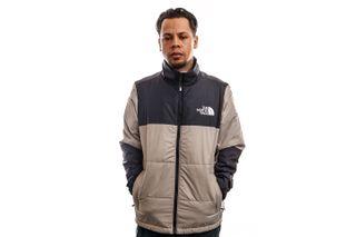 Foto van The North Face Jas Mens Gosei Puffer Jacket Mineral Grey NF0A557VVQ81