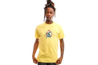 Foto van HUF T-Shirt Cammy S/S Tee Yellow TS01557