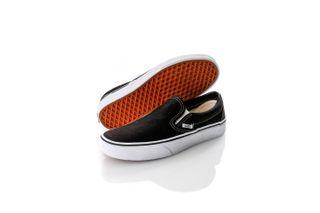 Foto van Vans Sneakers UA Classic Slip-On Black VN000EYEBLK1