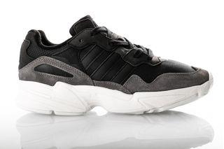 Foto van Adidas Yung-96 Ee7245 Sneakers Core Black/Core Black/Off White