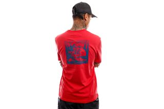Foto van The North Face T-shirt Mens S/S Redbox Celebration Tee Rococco Red NF0A2ZXEV341