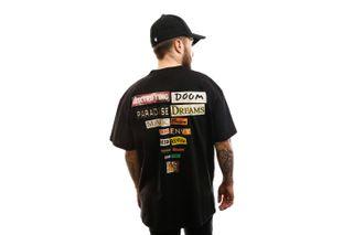 Foto van Carhartt T-shirt S/S Backpages T-Shirt Black I027757