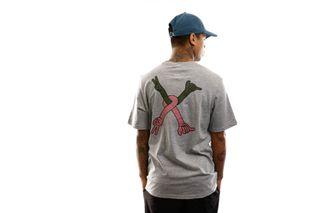 Foto van Herschel T-shirt Kevin Butler   Men's Tee Peace X Shaka Heather Grey 50027-00710
