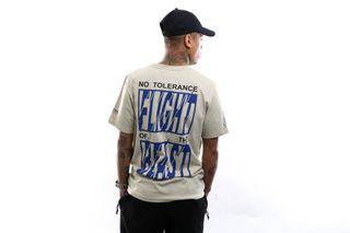 Foto van Flight Of The Beast Crewneck T-shirt No tolerence Sand 20.Q1.07.SA