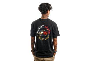 Foto van Tommy Jeans T-Shirt TJM SS VINTAGE CIRCULAR Black DM0DM11689