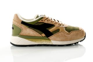 Foto van Diadora N9002 Premium 501175090 Sneakers Beige Juta