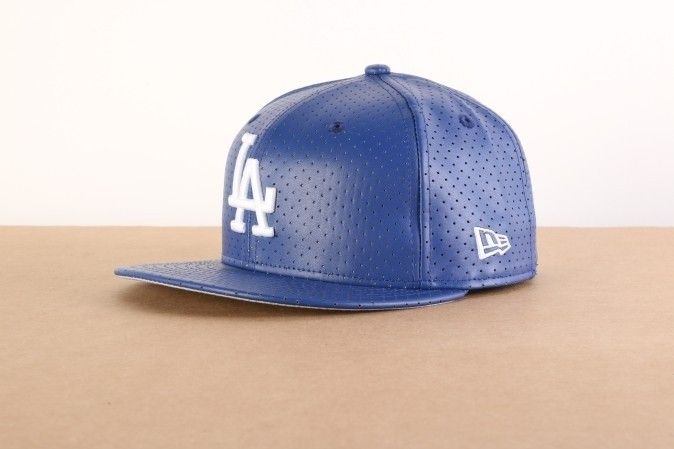 Afbeelding van New Era Fitted Cap Los Angeles Dodgers Ao leather perf LA Dodgers 80214362