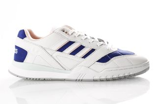 Foto van Adidas A.R. Trainer Ef1628 Sneakers Off White/Ftwr White/Real Purple S18