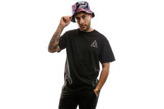 Foto van Huf Essentials Tt S/S Tee Ts00509-Black T Shirt Black