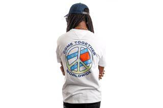 Foto van Tommy Jeans T-shirt TJM TOGETHER WORLD PEACE White DM0DM11620