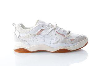 Foto van Vans Ua Varix Wc Va3Wlnvuf Sneakers (Staple) True White/Marshmallow