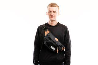 Foto van Eastpak Heuptas Bundel Into Nylon Black Ek016A23