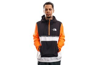 Foto van The North Face Jas Mens MA Wind Jacket - Eu TNF White/TNF Black/Skhor NF0A5575ZBU1
