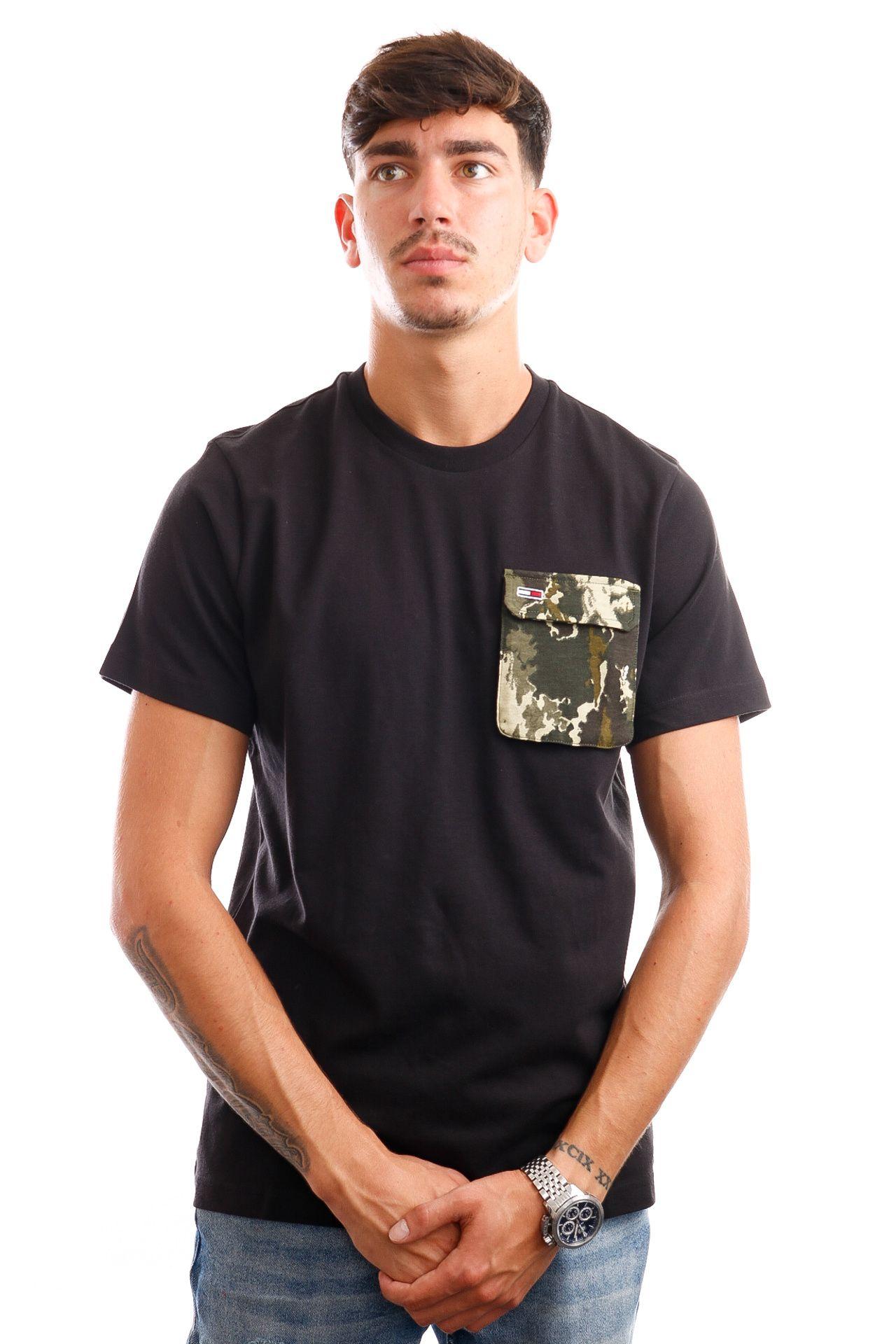 Afbeelding van Tommy Jeans T-Shirt TJM NYLON POCKET Black / Camo DM0DM10926