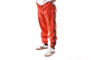 Foto van Adidas Wvn 3 Str Pant Dv3141 Trainingsbroek Raw Amber/White