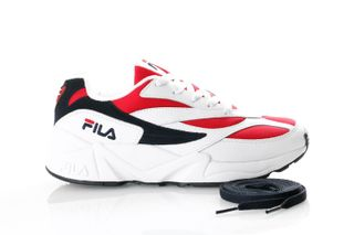 Foto van Fila V94M Low Wmn 1010291 Sneakers White/Fila Navy / Fila Red