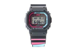 Foto van Casio Horloge G-Shock X Gorillaz GW-B5600GZ Black/multi GW-B5600GZ