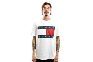 Foto van Tommy Hilfiger Tjm Tommy Flag Tee Dm0Dm07009 T-Shirt Classic White
