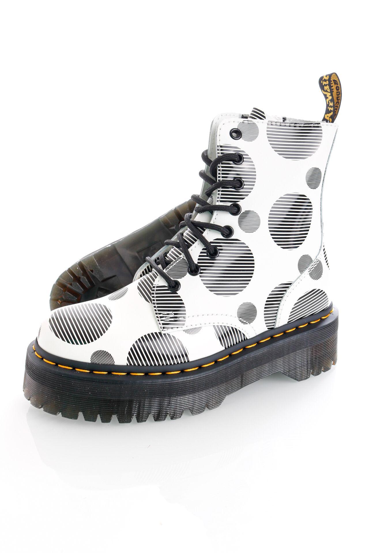 Afbeelding van Dr.Martens Boots Jadon White/Black Polka Dot Smooth 26882101