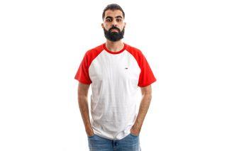 Foto van Tommy Hilfiger T-shirt TJM CONTRAST SLEEVE, 667 Flame Scarlet / Multi DM0DM06545