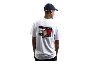 Foto van Tommy Hilfiger T-shirt Tjm Looney Tunes Tee M1 White DM0DM08580