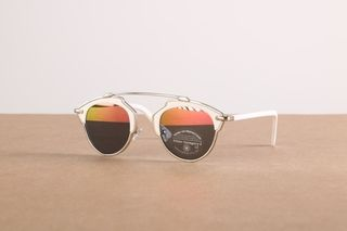 Foto van Icon Eyewear 5068631716634 Sunglasses 40501 Zilver
