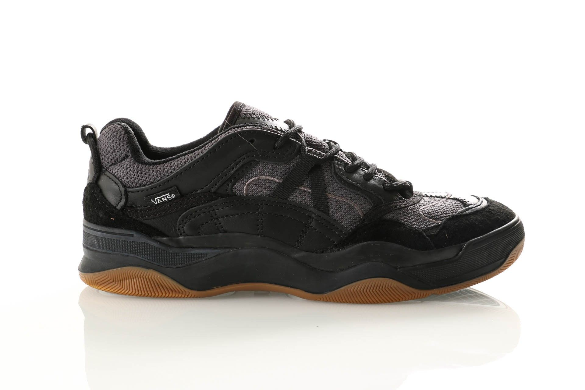 Afbeelding van Vans Ua Varix Wc Vn0A3Wlnqtf1 Sneakers (Staple) Black/Black