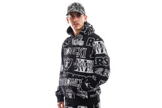 Foto van New Era Hooded Raiders Aop Po Hoody Oakra Black NE12397116
