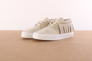 Foto van Clear Weather Crw-101-Crm Sneakers One-O-One Bruin