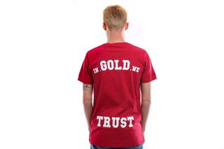 Foto van In Gold We Trust T Shirt Basic Tee Chinese red IGWT-001