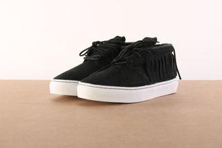 Foto van Clear Weather Crw-101-Bst Sneakers One-O-One Zwart