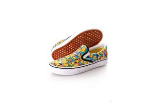 Foto van Vans x The Simpsons Sneakers UA ComfyCush Slip-Sim Rio Red/KC Blue VN0A3WMD1TJ