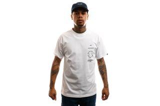 Foto van Vans T-Shirt Mn Distortion Type Ss White VN0A49PVWHT1