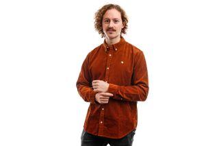 Foto van Carhartt Long Sleeve L/S Madison Cord Shirt Brandy / Wax I025247