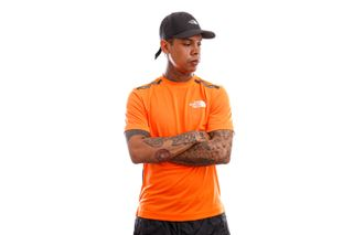Foto van The North Face T-shirt Mens MA S/S Tee Shocking Orange NF0A5578BEH1