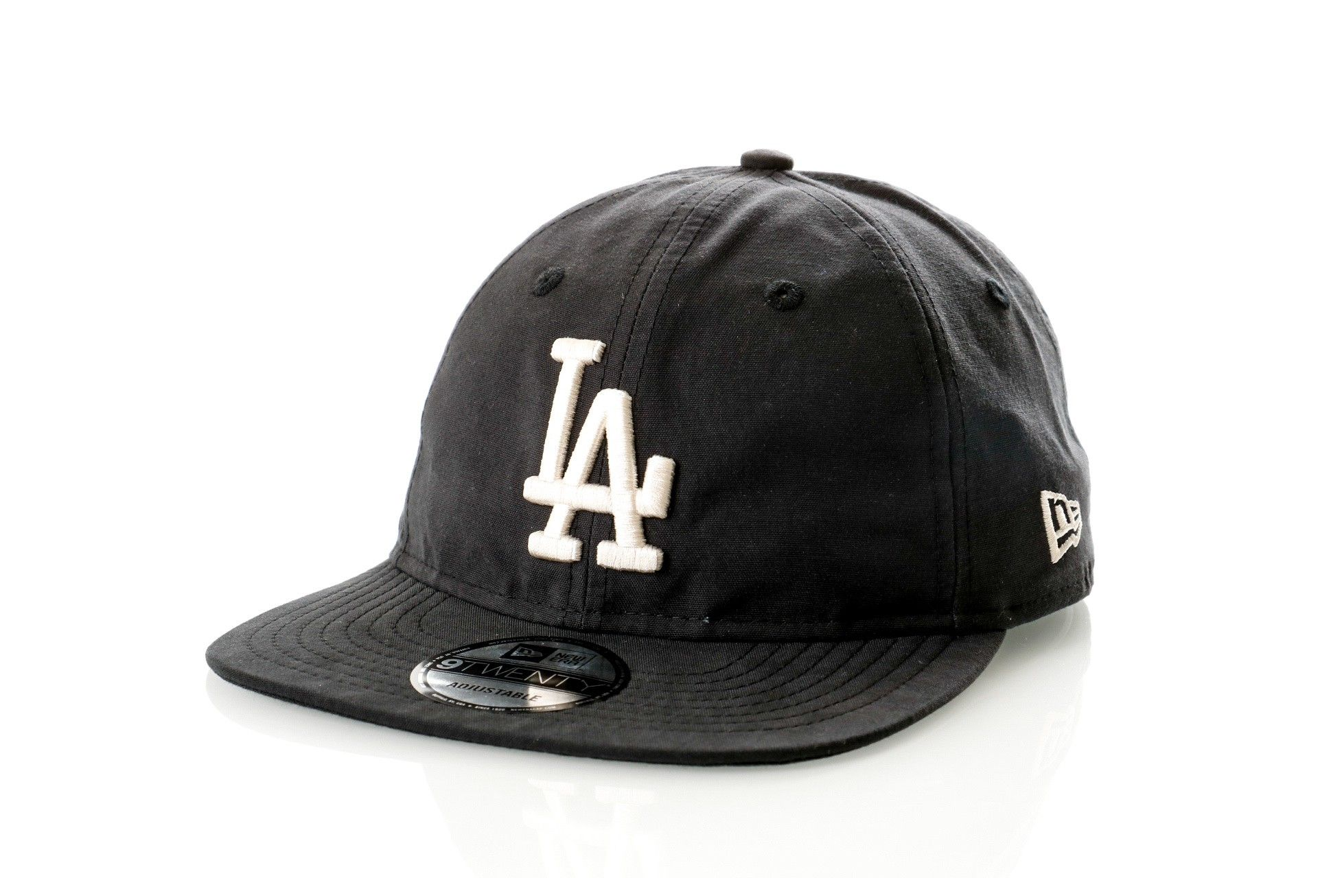 Afbeelding van New Era Dad cap Light Weight Nylon Packable Black/Optic White 11746793