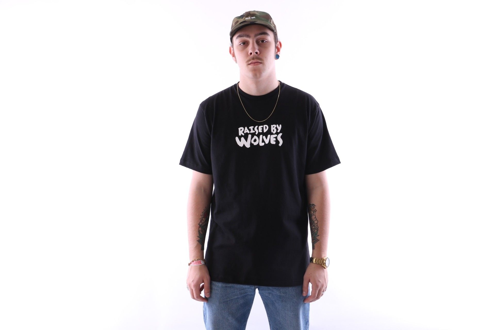Afbeelding van Raised By Wolves Tag Logo T-Shirt Black Jersey