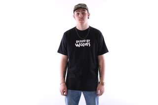 Foto van Raised By Wolves Tag Logo T-Shirt Black Jersey