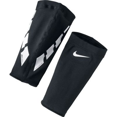 Foto van Nike Guard Lock Elite Sleeves Zwart