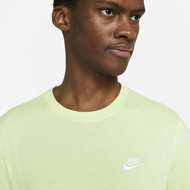 Afbeelding van Nike Sportswear Club T-Shirt Lite Liquid Lime