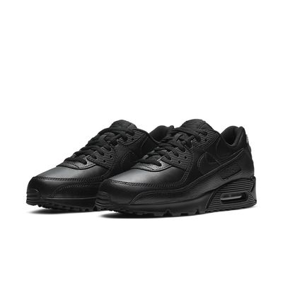 Foto van Nike Air Max 90 Black Leather Triple Black