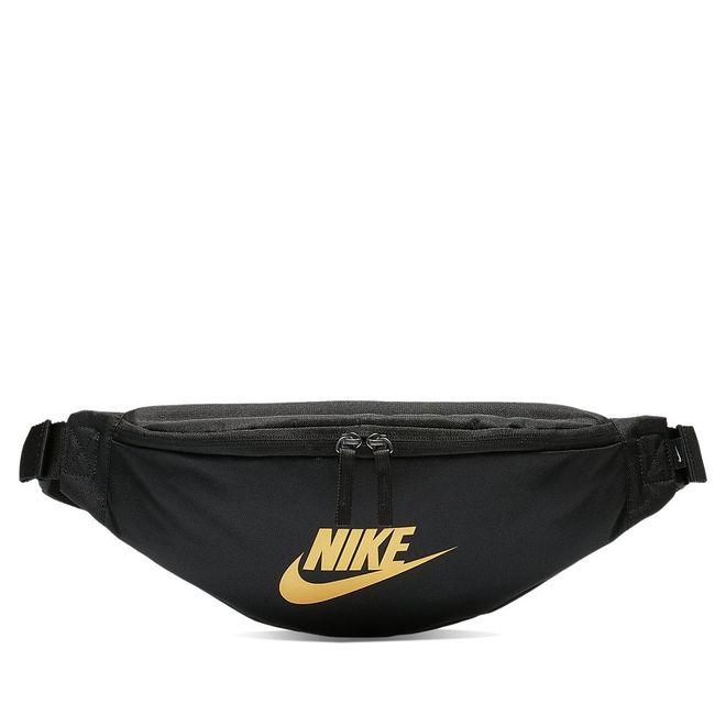 Afbeelding van Nike Sportswear Heritage heuptas Zwart-Goud